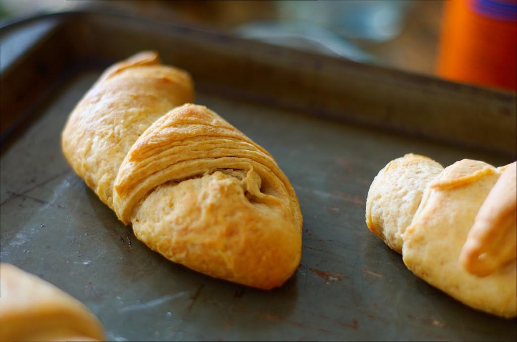 Cinnamon_Rolls_Croissant_0075